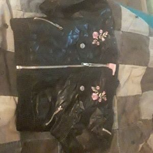 Size  2T -- black   Leather  Coat   ( GIRLS) 2 T.